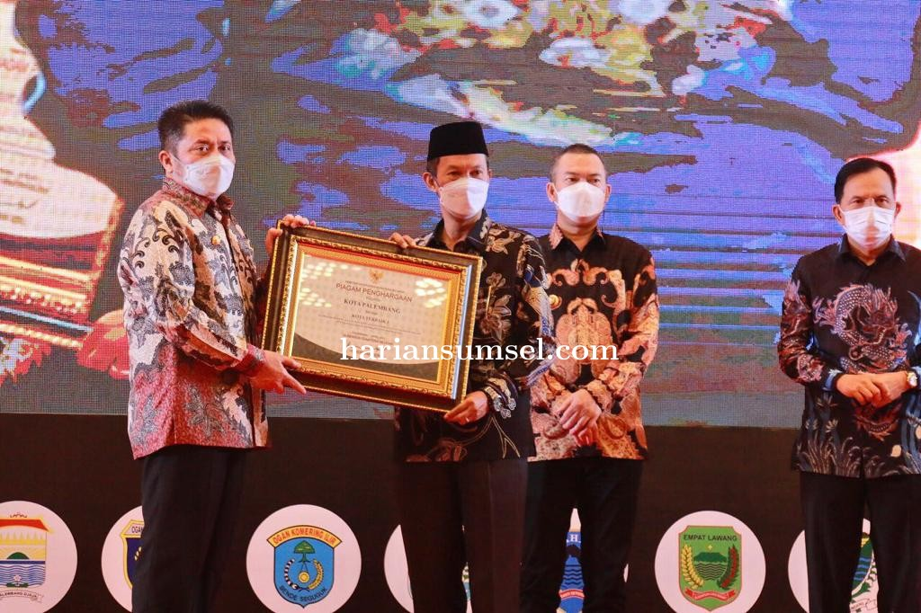Kota Palembang Kembali Mendapatkan Penghargaan Dari Gubernur Sumsel